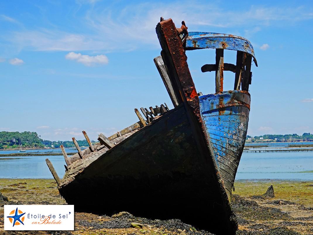cimetière à bateaux de berder dans le golfe du morbihan